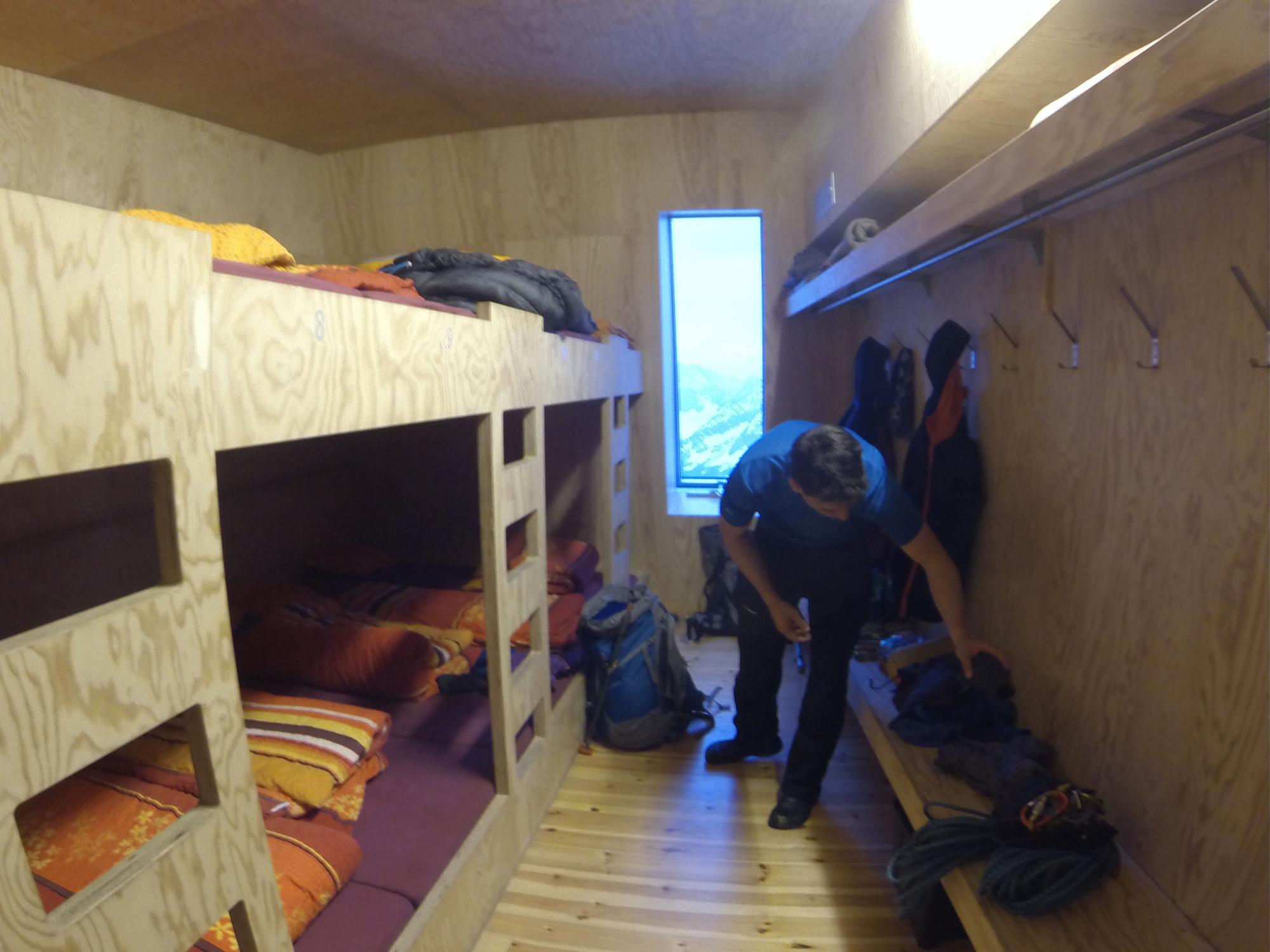 Tracuit Hütte Bishorn Cabane de Tracuit