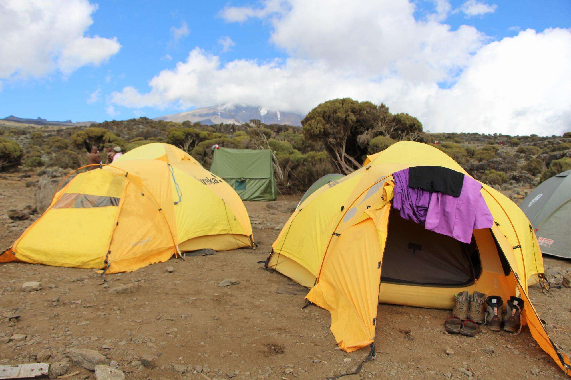 New Shira Camp - háttérben a Kibo tömbje